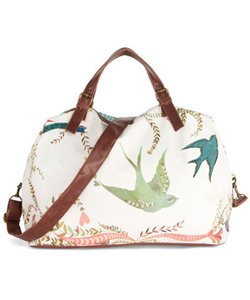 Girl-Meets-Voyage-Weekend-Bag